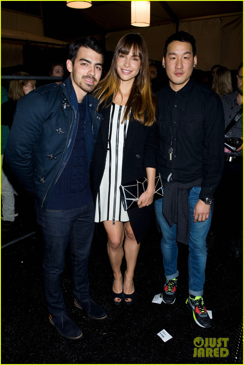 joe jonas colton hanyes richard chai new york fashion show 02