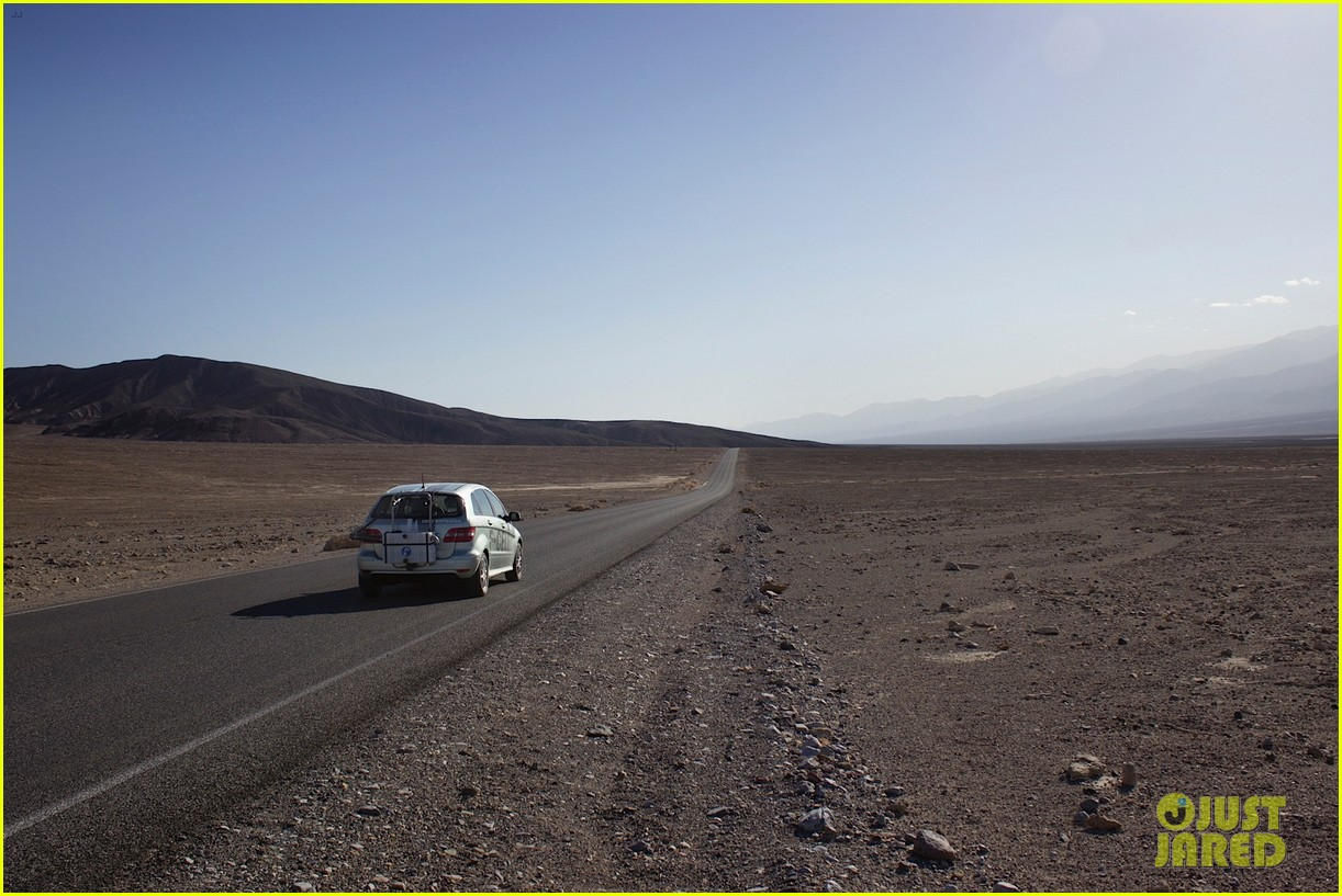 joshua jackson diane kruger survive death valley only on water emitted from their f cell car 15