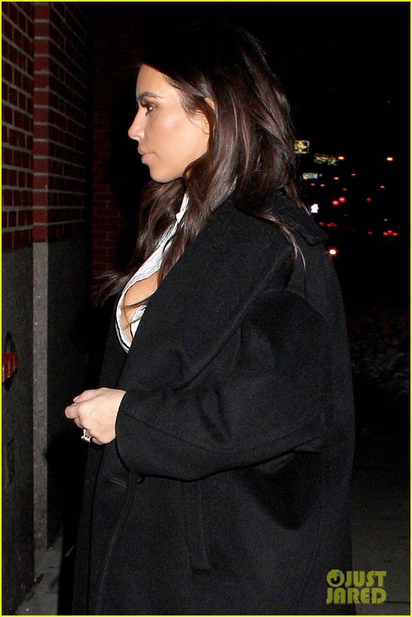 kim kardashian stays in nyc while kanye west continues tour 02