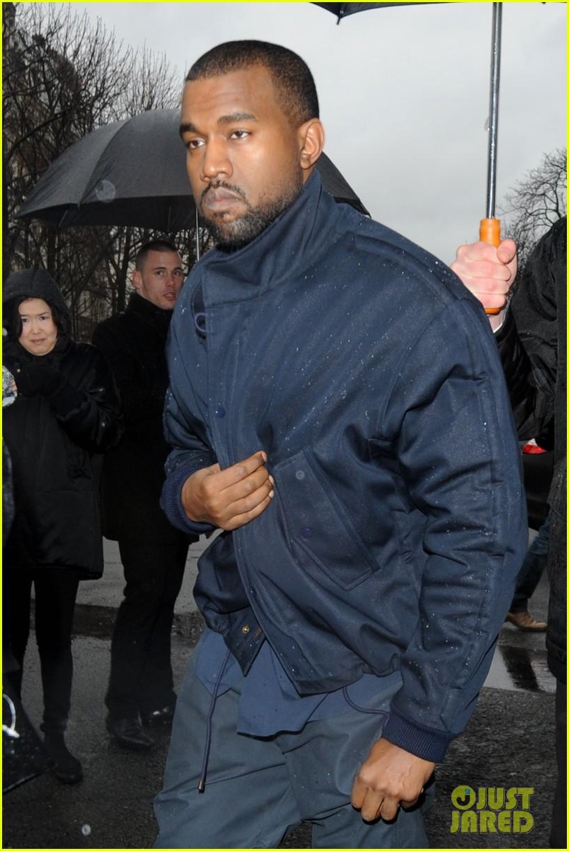kim kardashian stuns in dress with sheer top at vienna ball 02