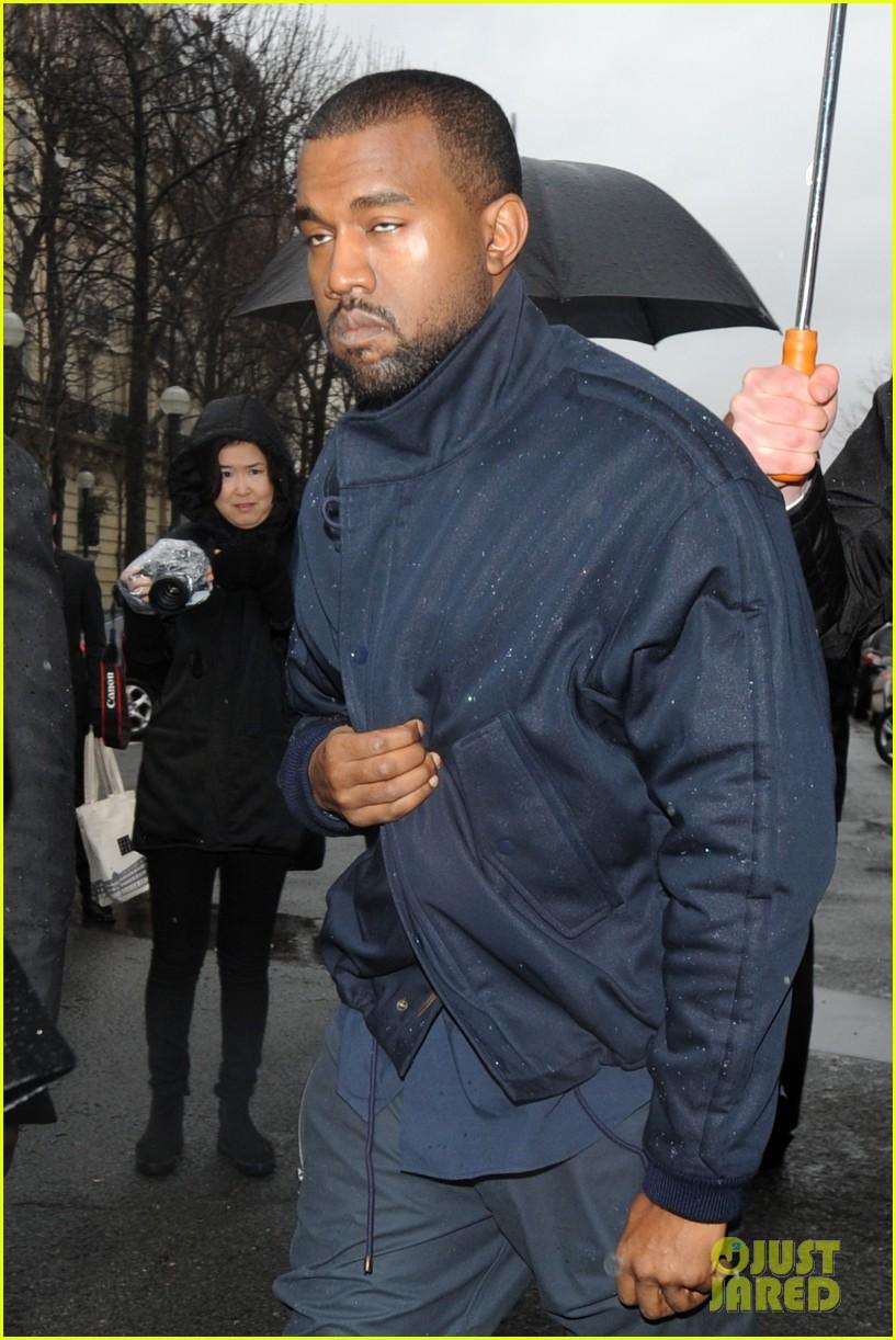 kim kardashian stuns in dress with sheer top at vienna ball 12