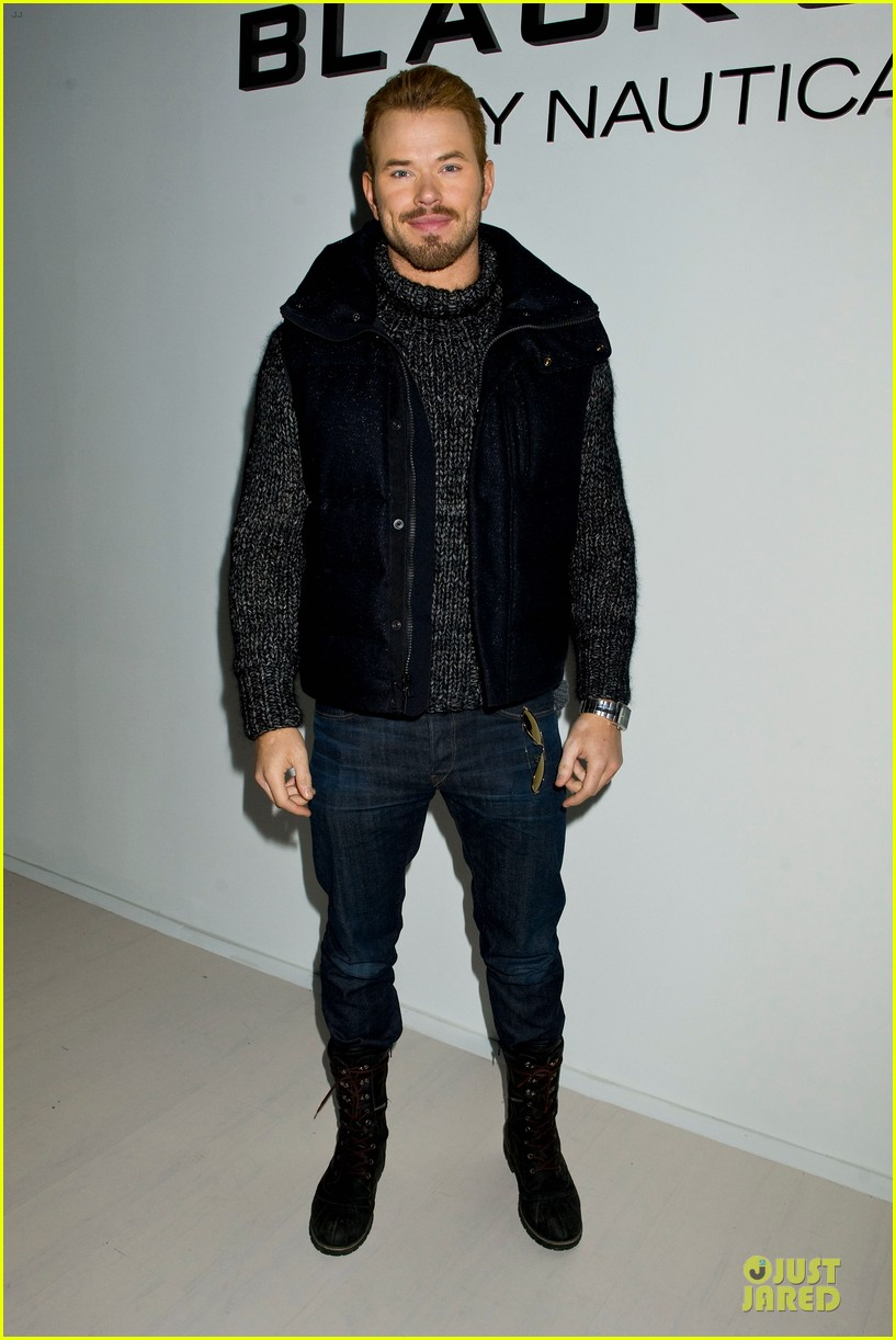 kellan lutz black sail by nautica fashion show 01