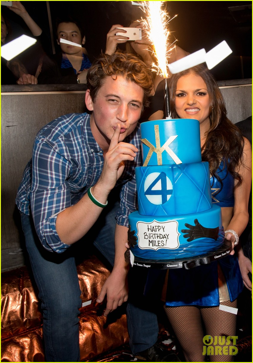 anna kendrick miles teller spend evening at hakkasan in las vegas 023059408