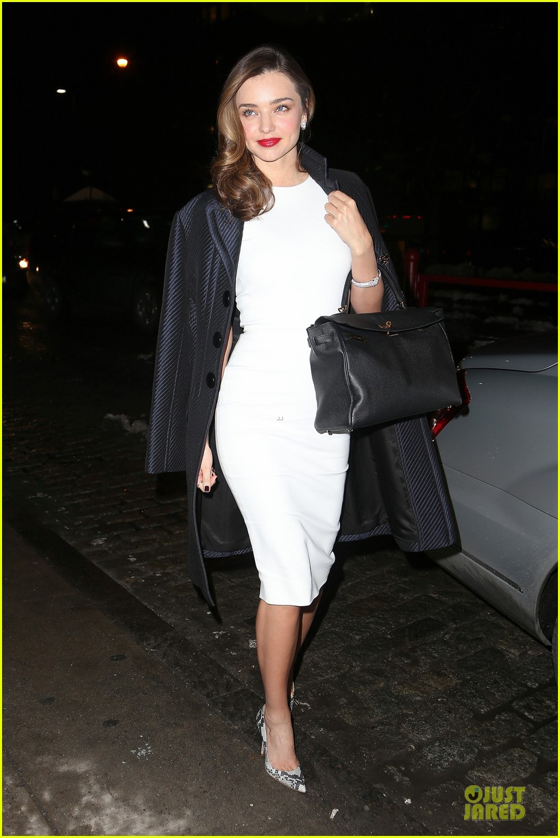 miranda kerr illuminates new york city with her beauty 01