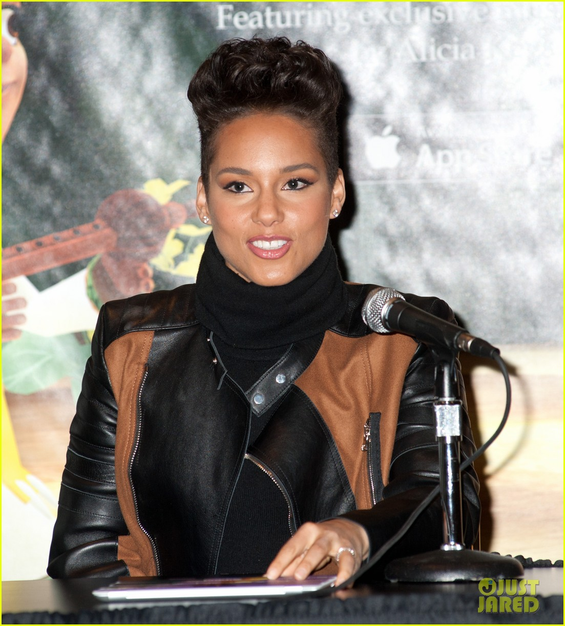 alicia keys debuts unreleased song for valentines day 083054747