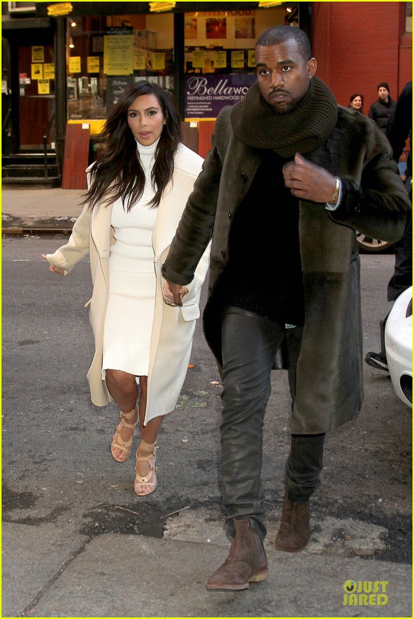 kim kardashian kanye west hold hands at abc kitchen 03