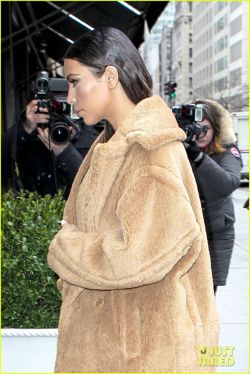 kim kardashian planning small intimate wedding with kanye west 13
