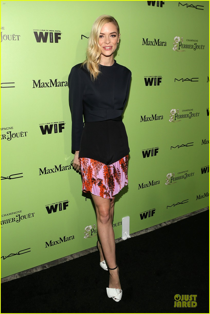 jaime king mandy moore helps honors oscar nominees at women in film party 013062596
