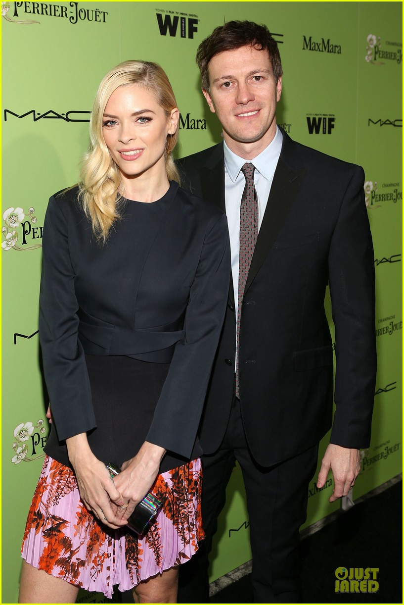 jaime king mandy moore helps honors oscar nominees at women in film party 02