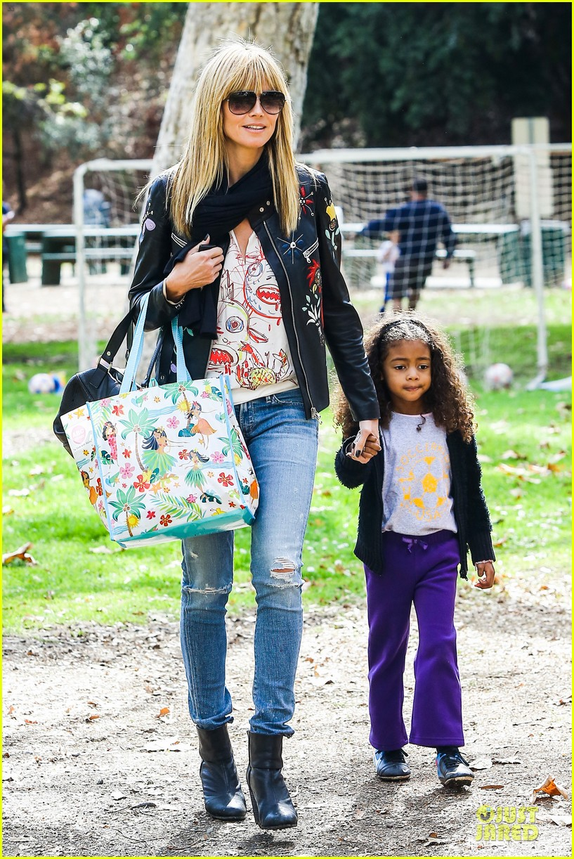 heidi klum soccer mom at leni johan saturday game 25