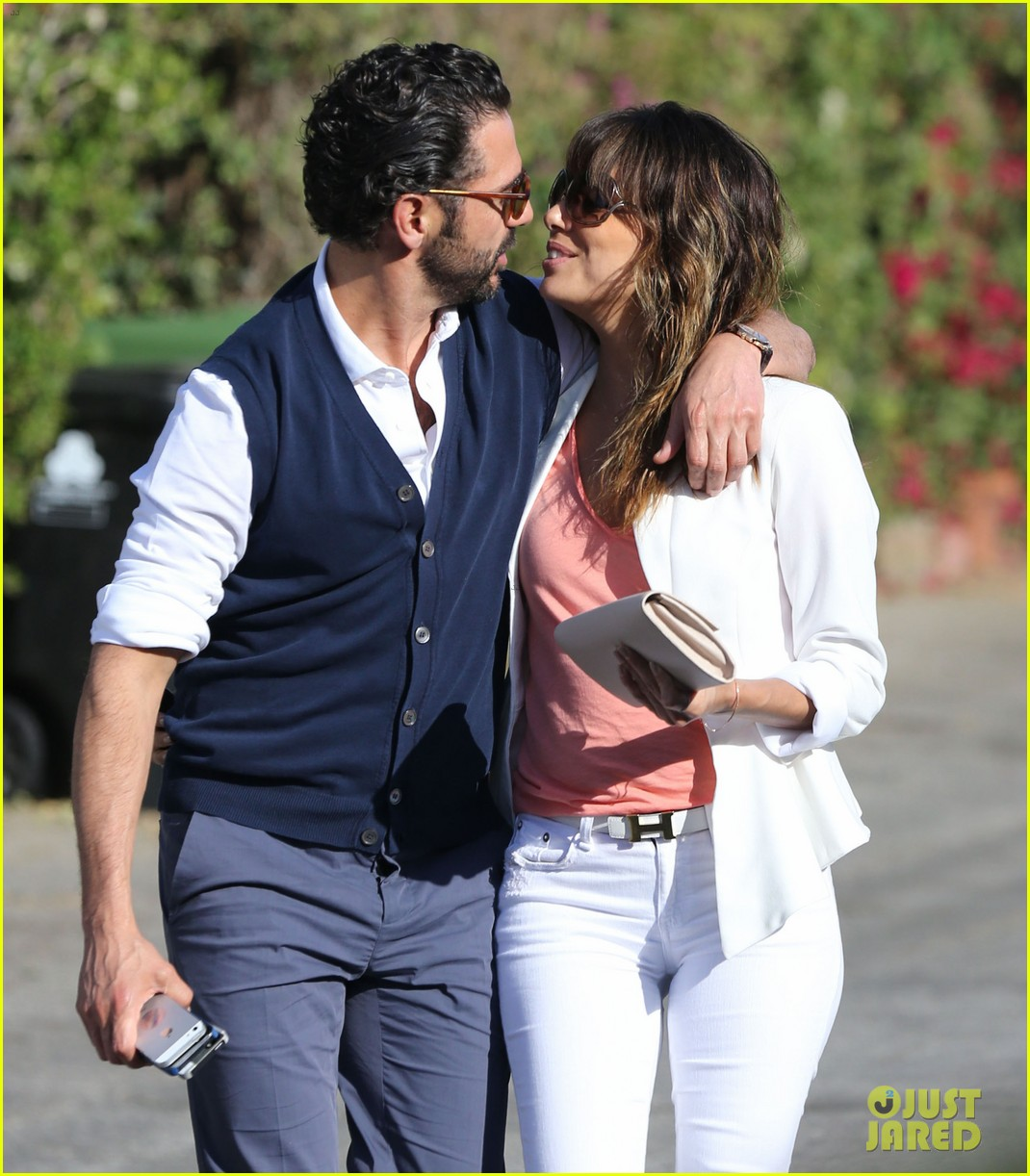 eva longoria jose baston share romantic kiss after brunch 133054948