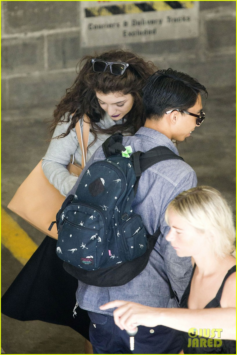 lorde takes boyfriend james lowe along for studio stop 153046966