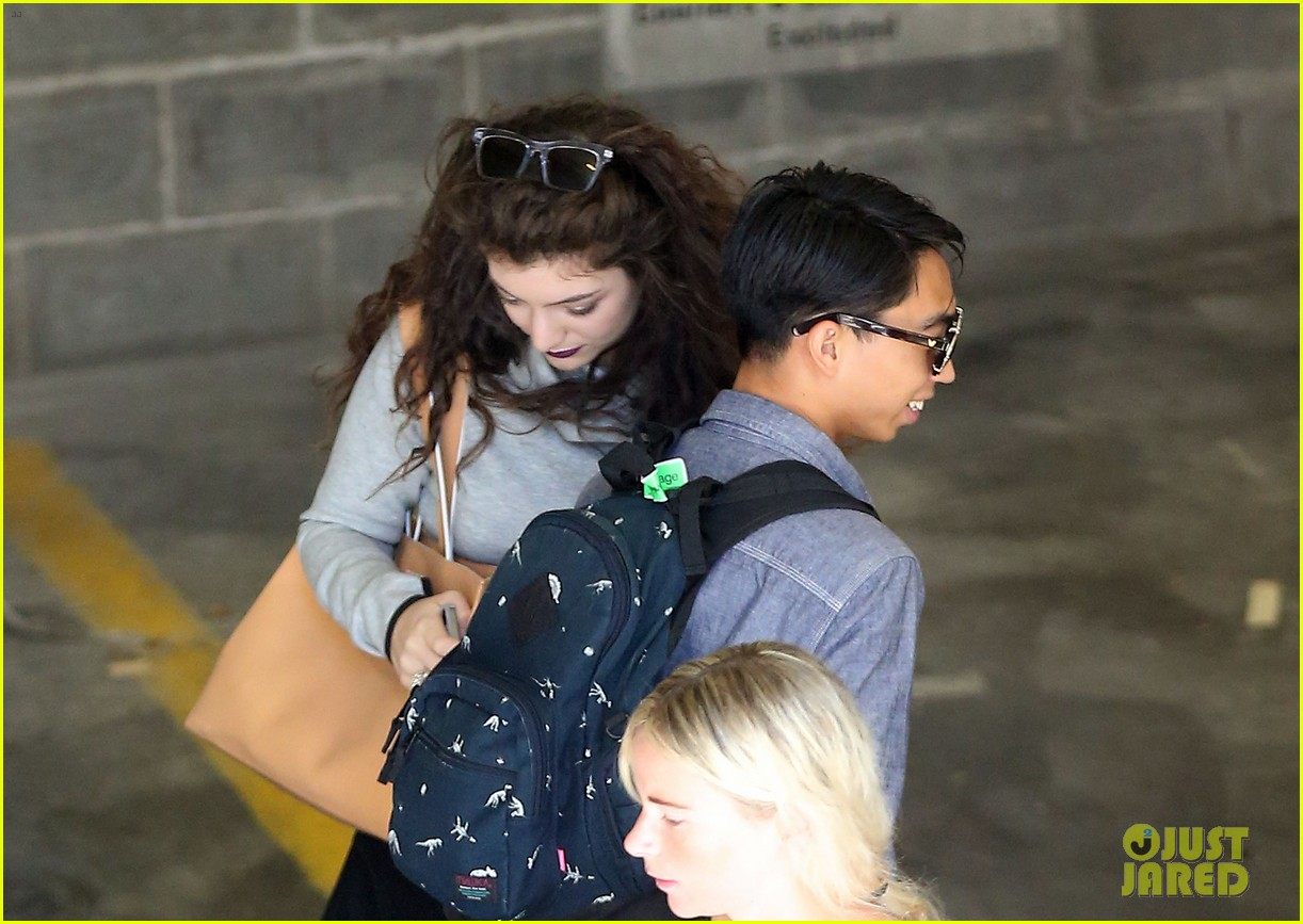 lorde takes boyfriend james lowe along for studio stop 233046974