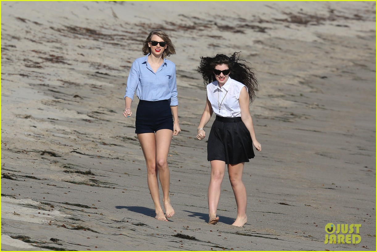lorde gets breakfast with kiernan shipka after beach day with taylor swift 273059854