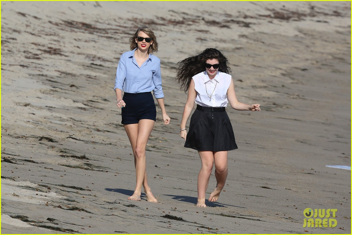 lorde gets breakfast with kiernan shipka after beach day with taylor swift 28