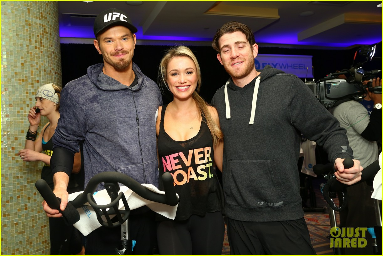 kellan lutz bryan greenberg work up a sweat at nfl house 15