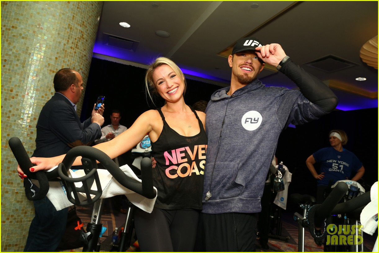 kellan lutz bryan greenberg work up a sweat at nfl house 19