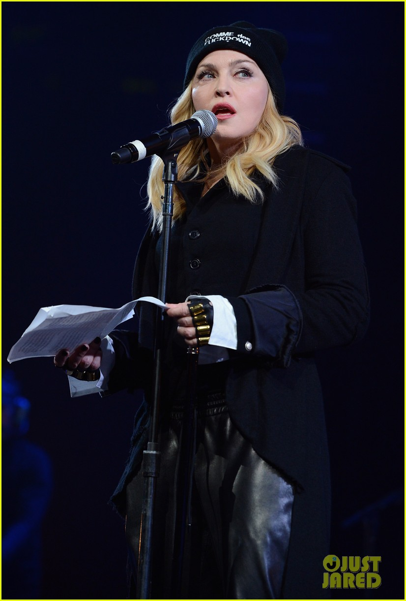 madonna speaks at the amnesty international concert 063048473