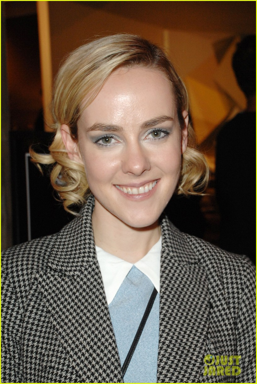 jena malone remembers philip seymour hoffman with touching message 02