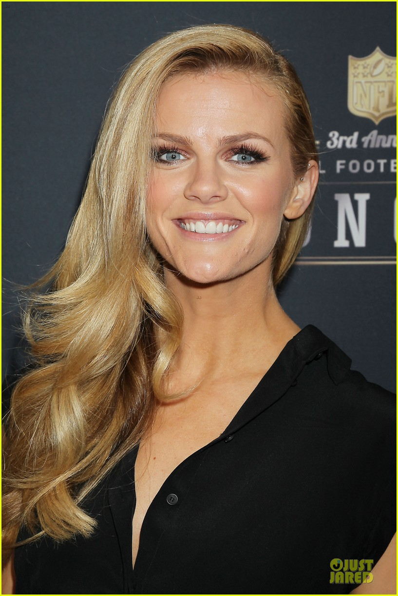 kate mara brooklyn decker beautifies nfl honors 22