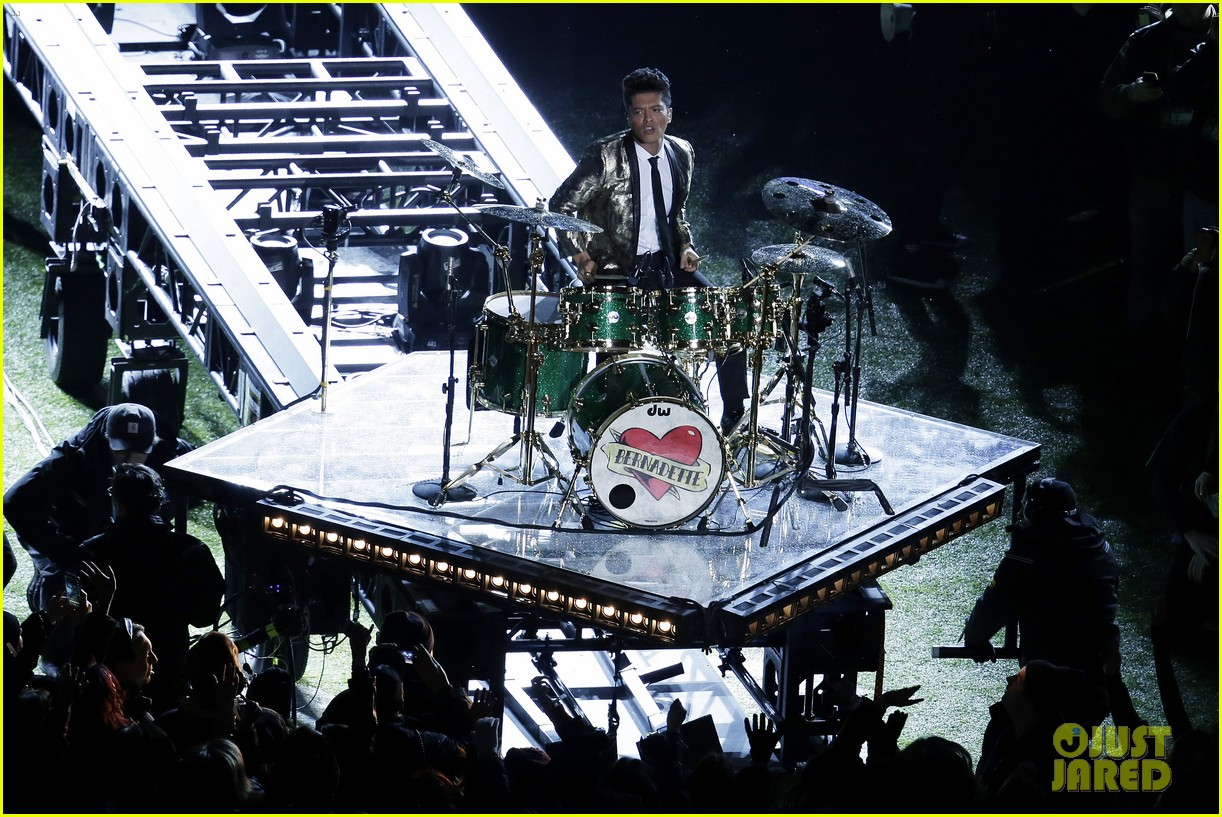 bruno mars super bowl halftime show 2014 video watch now 01