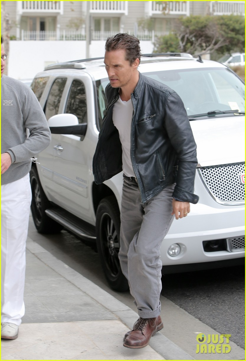 matthew mcconaughey is like a brother to woody harrelson 08