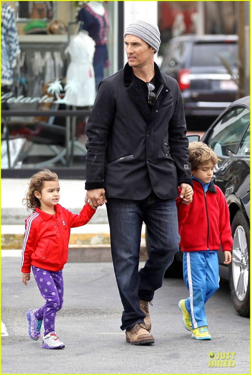 matthew mcconaughey lego movie showing with the kids 22