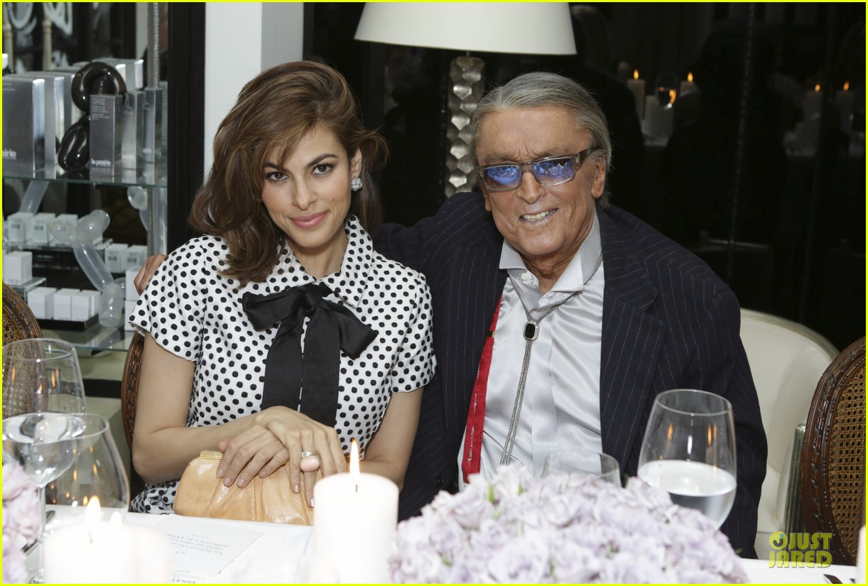 eva mendes pharrell williams elizabeth taylor tribute dinner 07