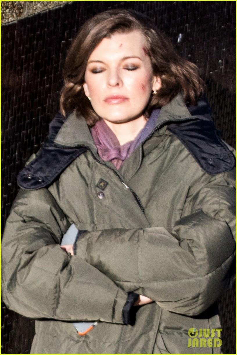 milla jovovich has cut up face for survivor scenes 08