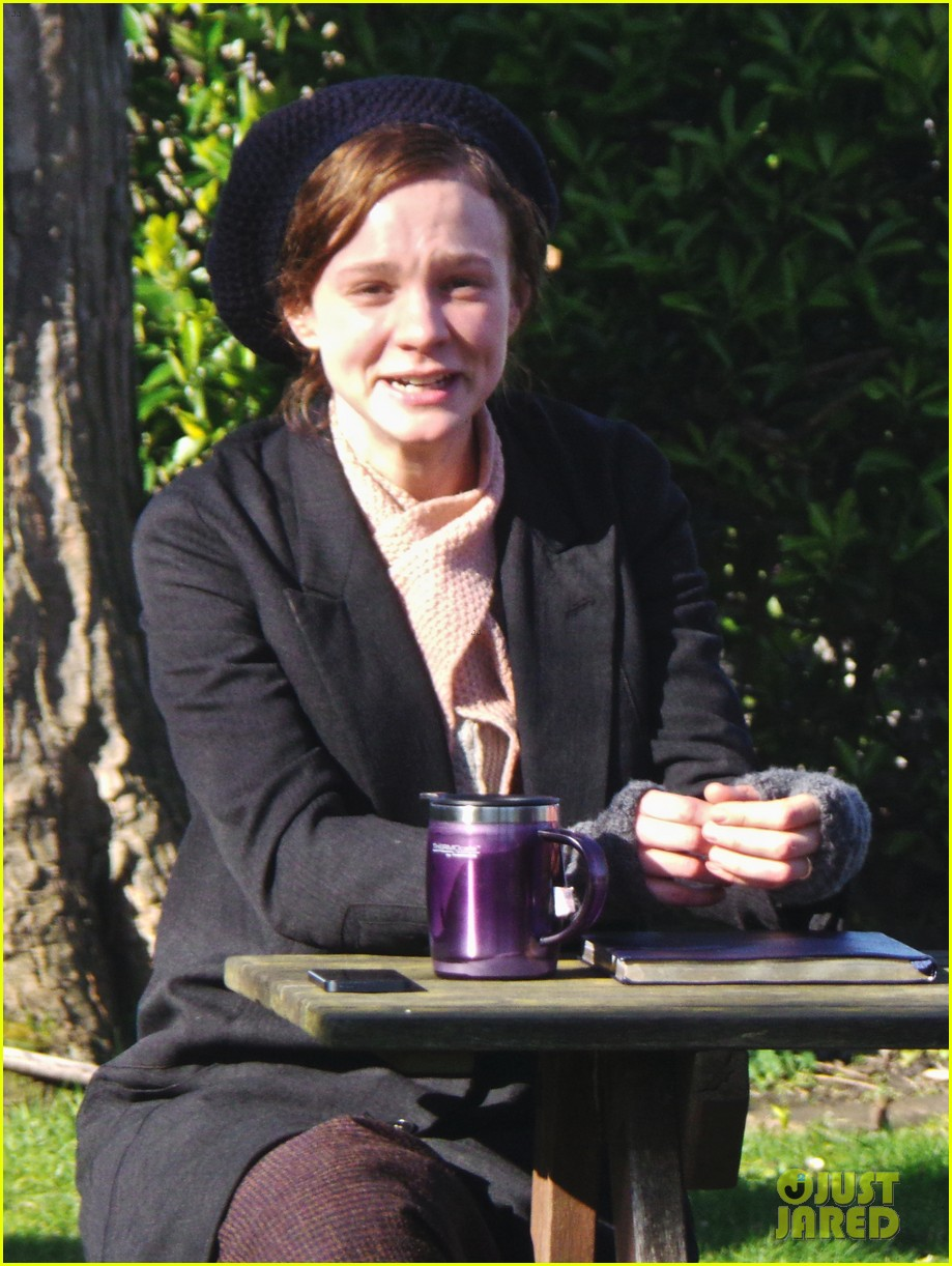 carey mulligan begins filming suffragette in london 04