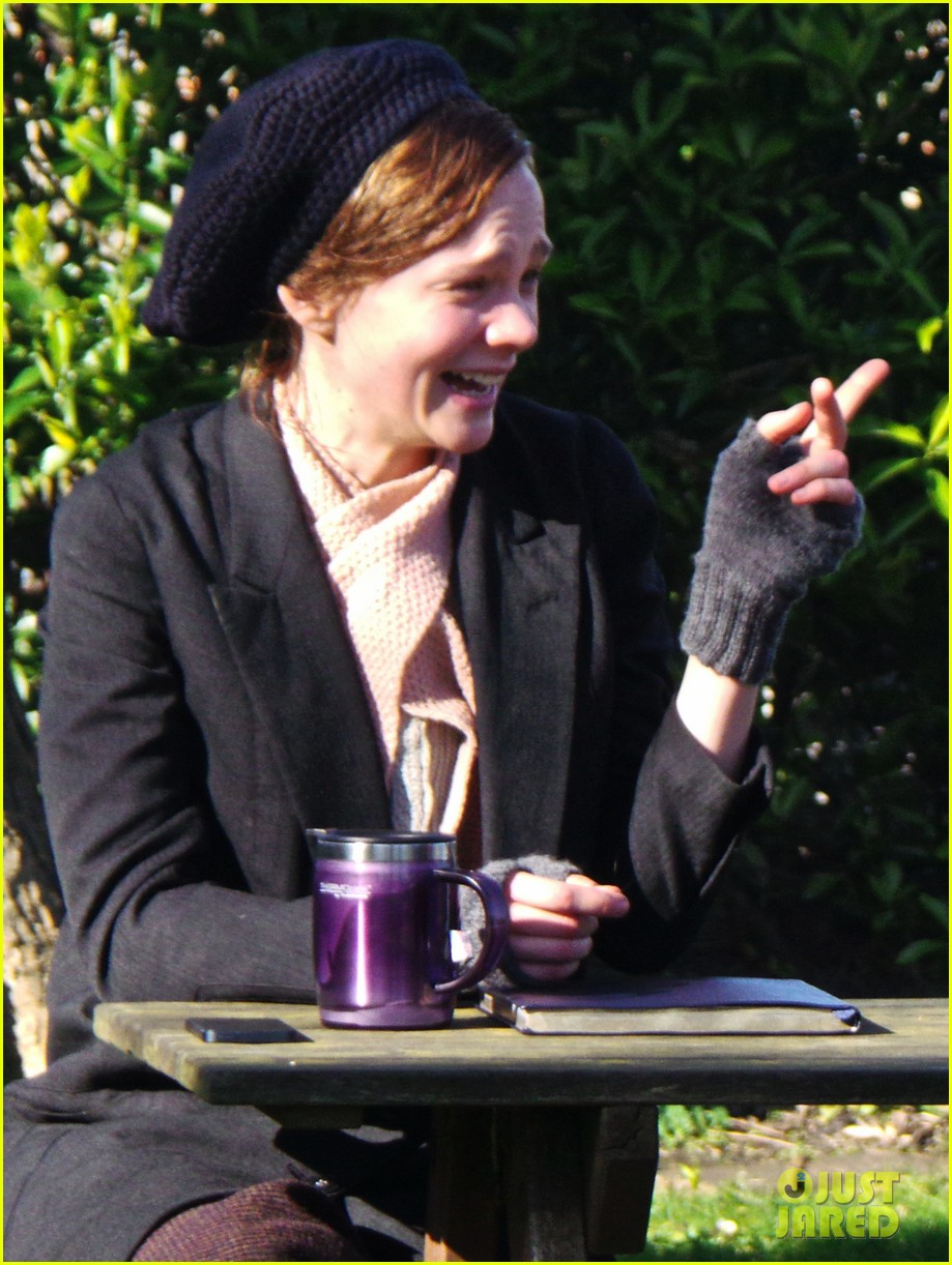carey mulligan begins filming suffragette in london 07