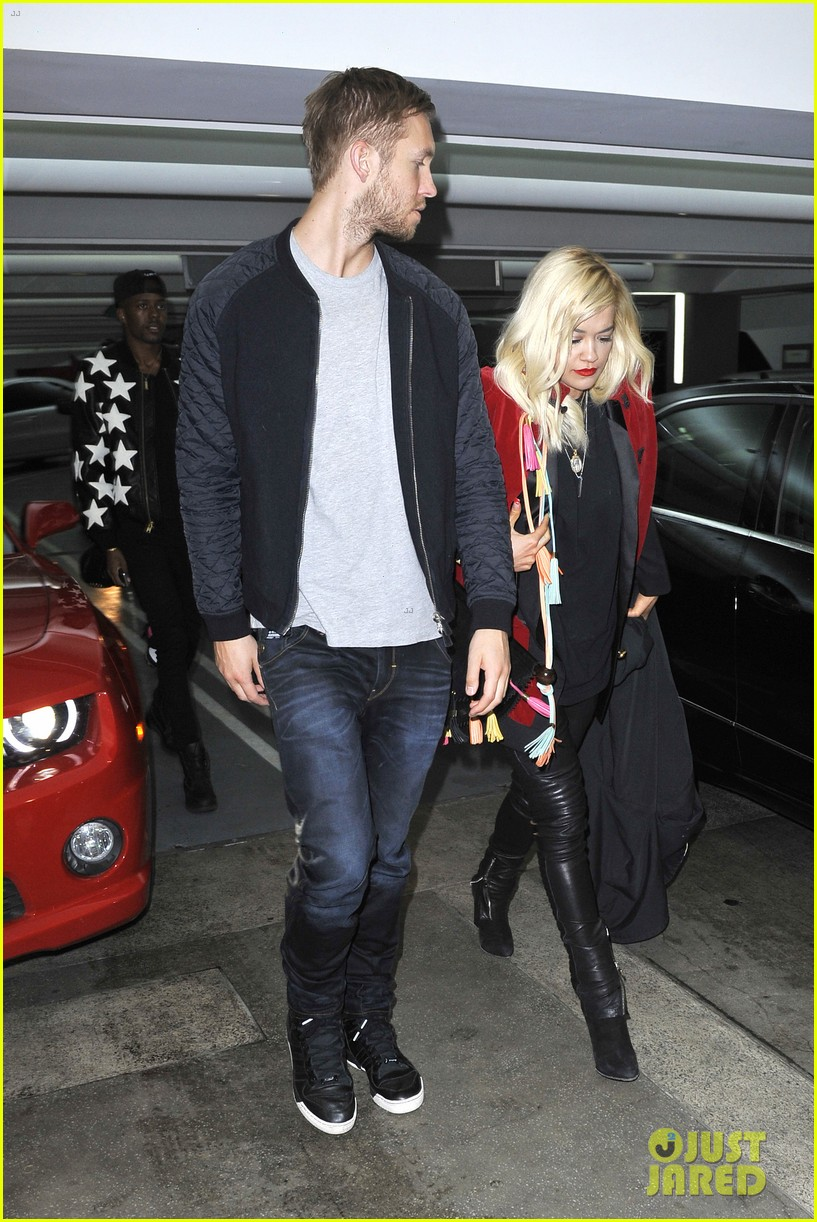 rita ora cant keep her hands off boyfriend calvin harris 303048933