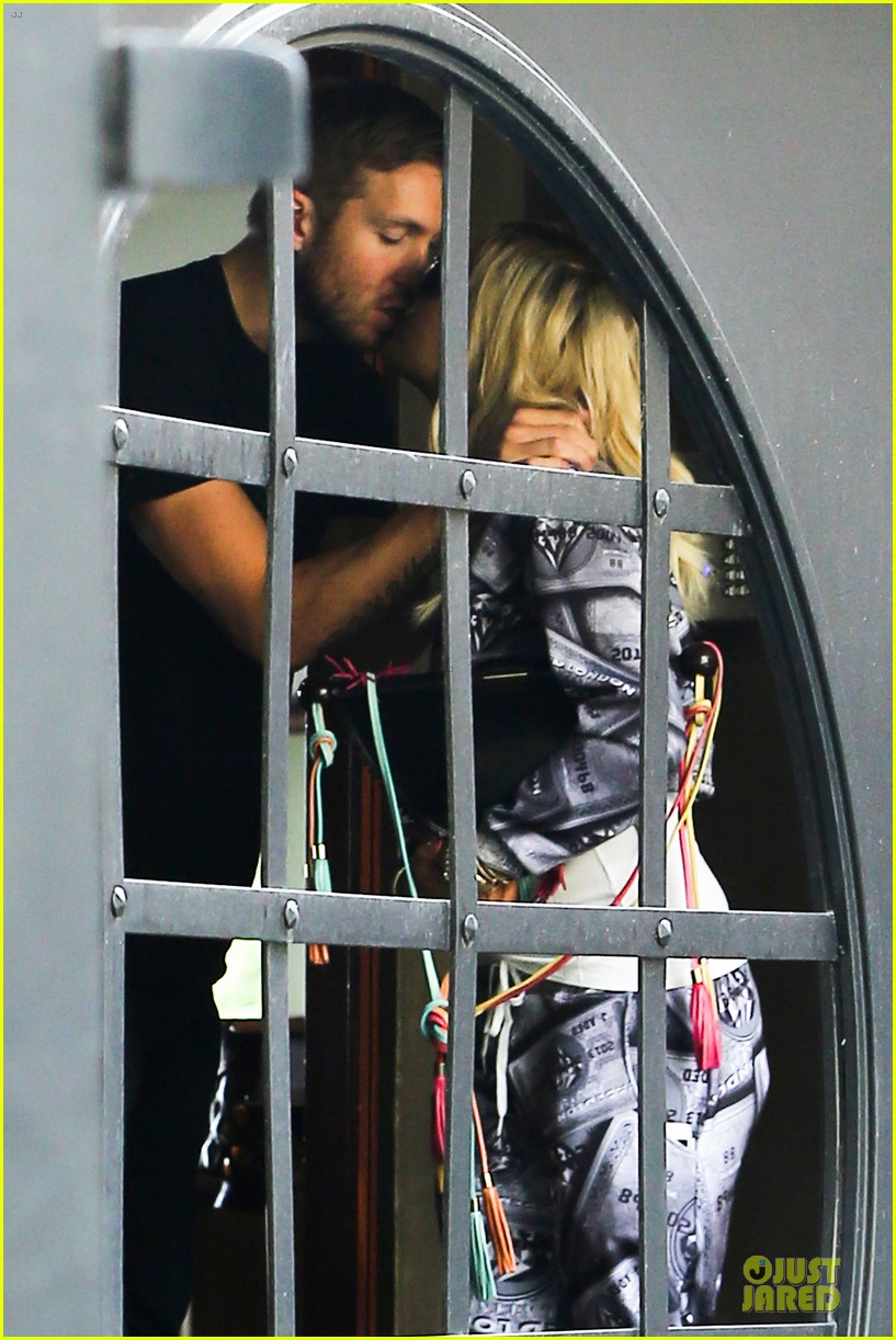 rita ora kisses calvin harris in credit card ensemble 04