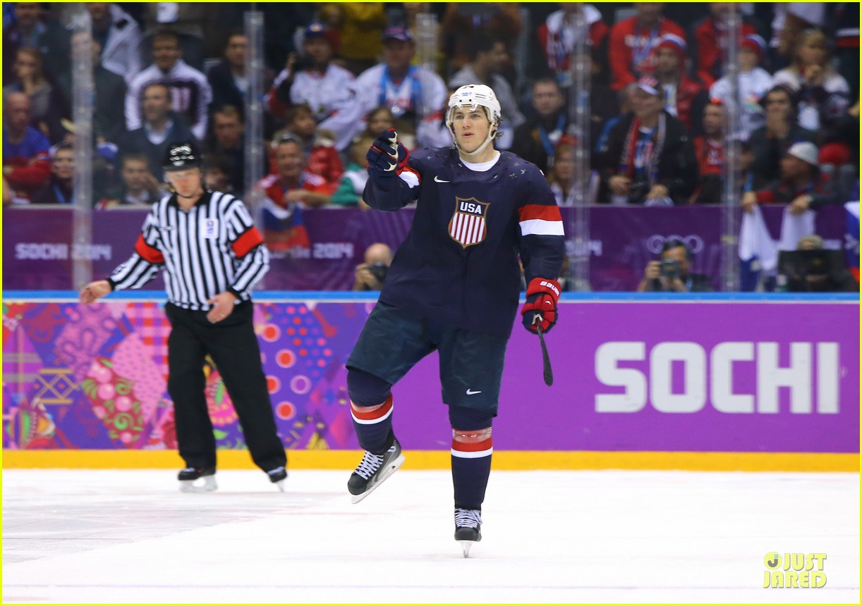 tj oshie scores winning goal for us against russia at sochi olympics 05