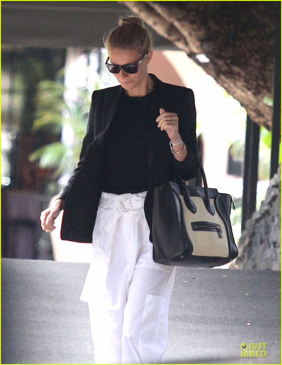 gwyneth paltrow classy arrival at gwen stefani baby shower 06
