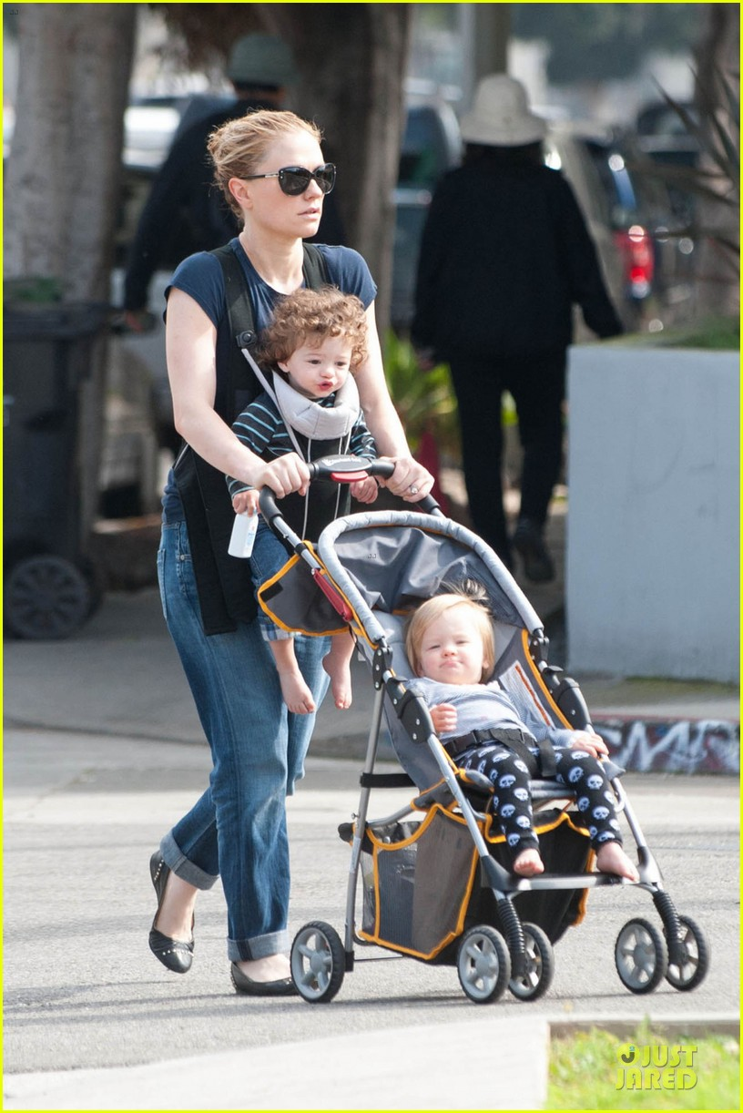 anna paquin casual saturday stroll with the twins 01