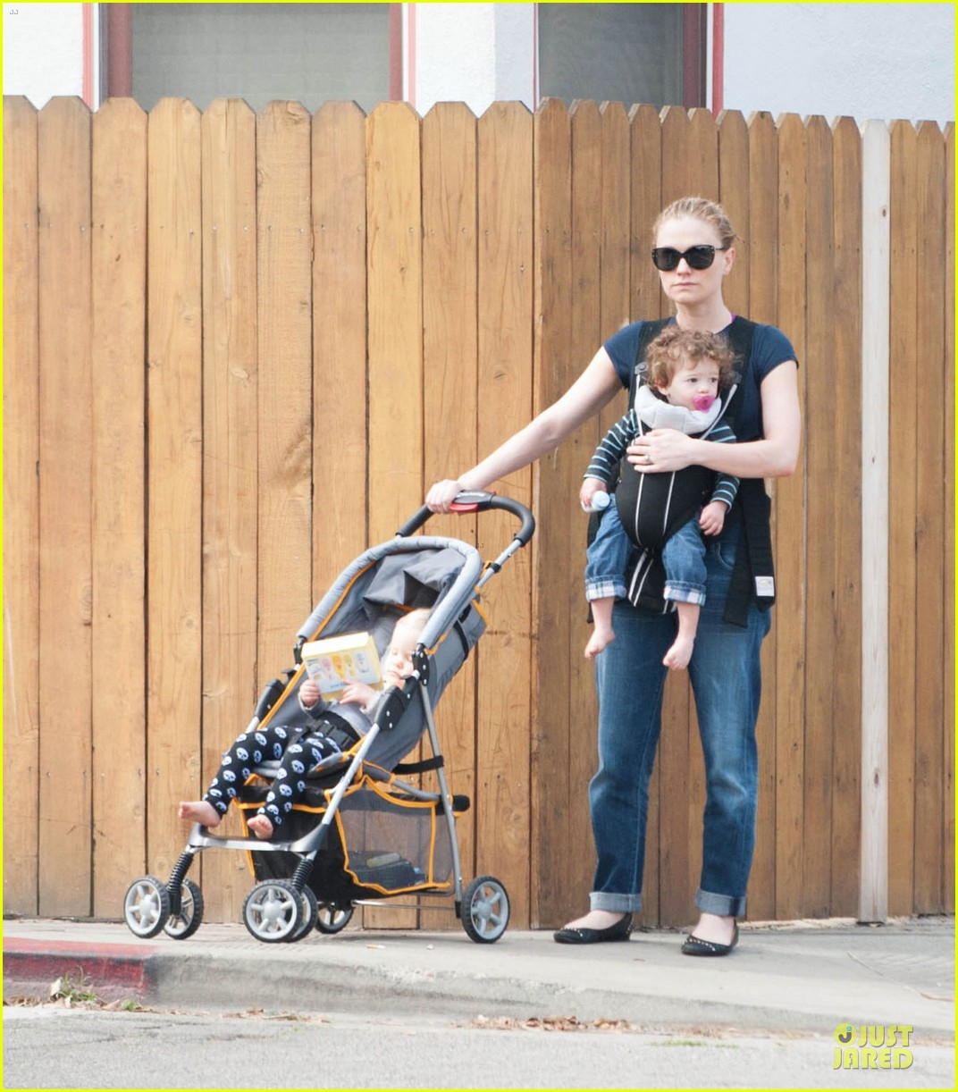 anna paquin casual saturday stroll with the twins 05