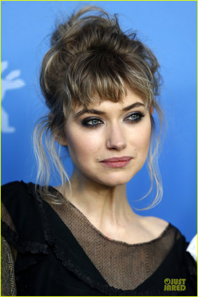aaron paul imogen poots long way down berlin premiere 093050953