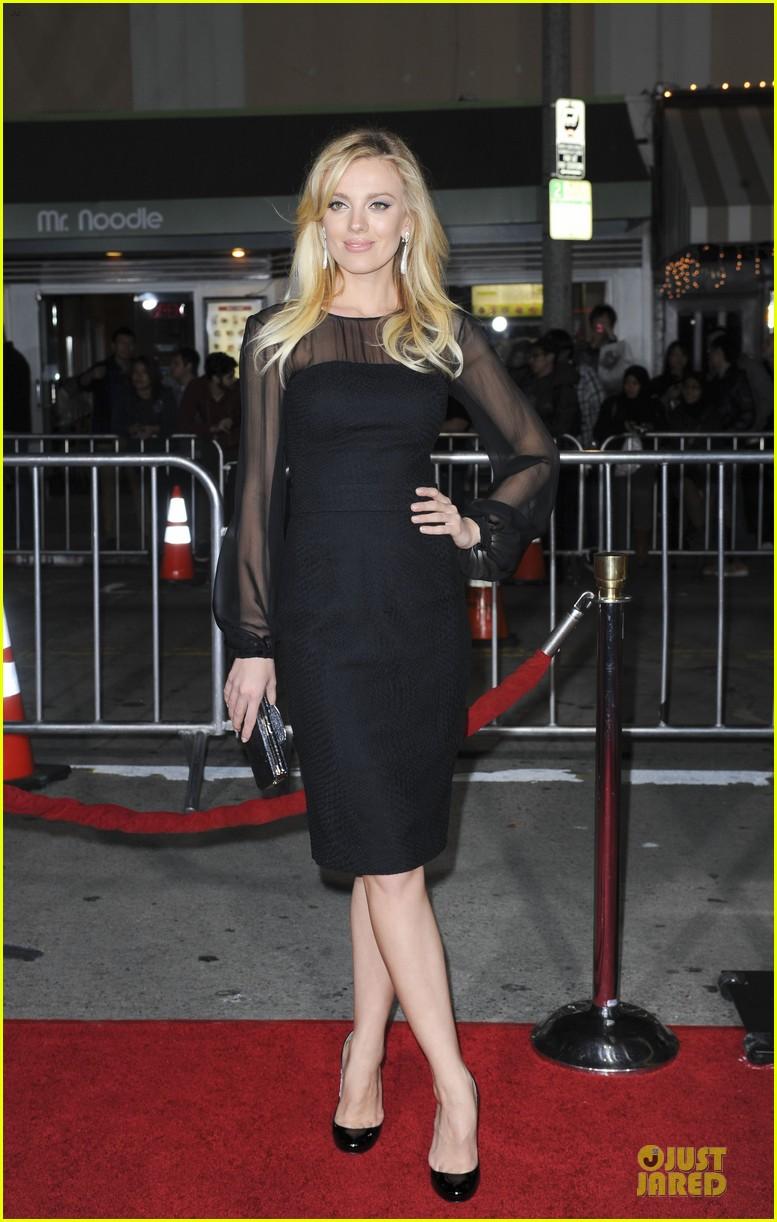 sarah paulson supports jason butler harner at non stop premiere 08