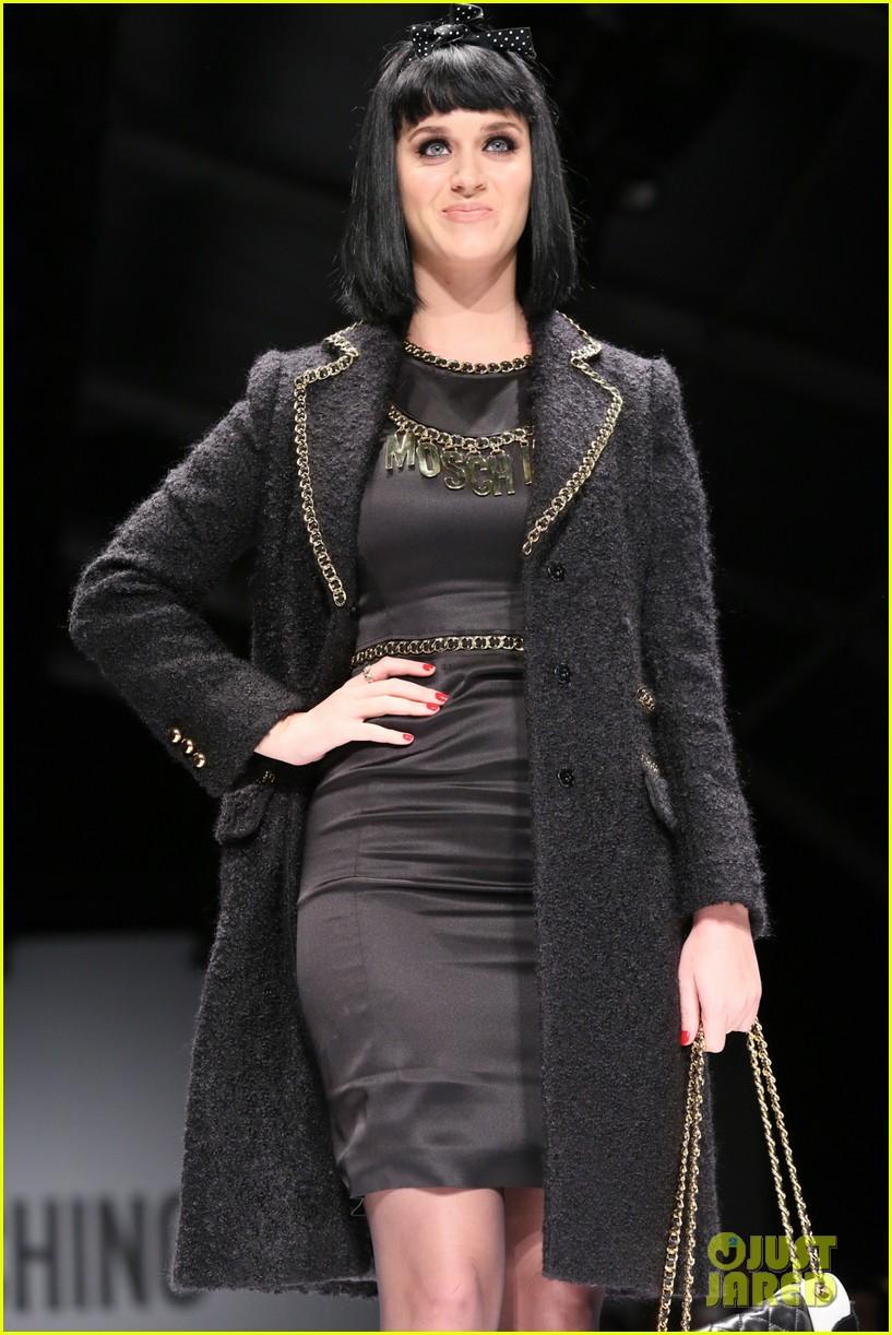 katy perry rita ora walk runway in moschino fashion show 31