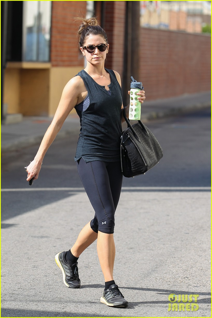 nikki reed keeps in shape with daily workout 05