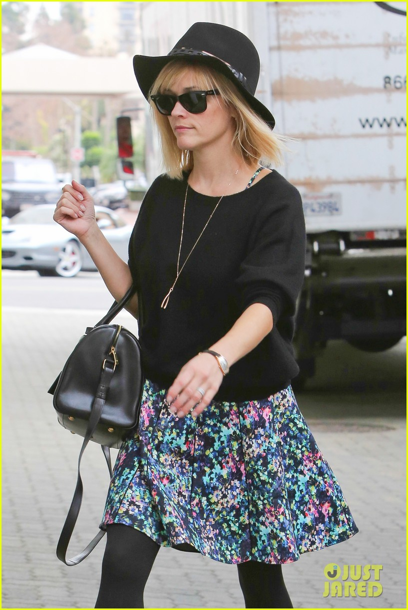 reese witherspoon naomi watts share secrets after yoga 113048724