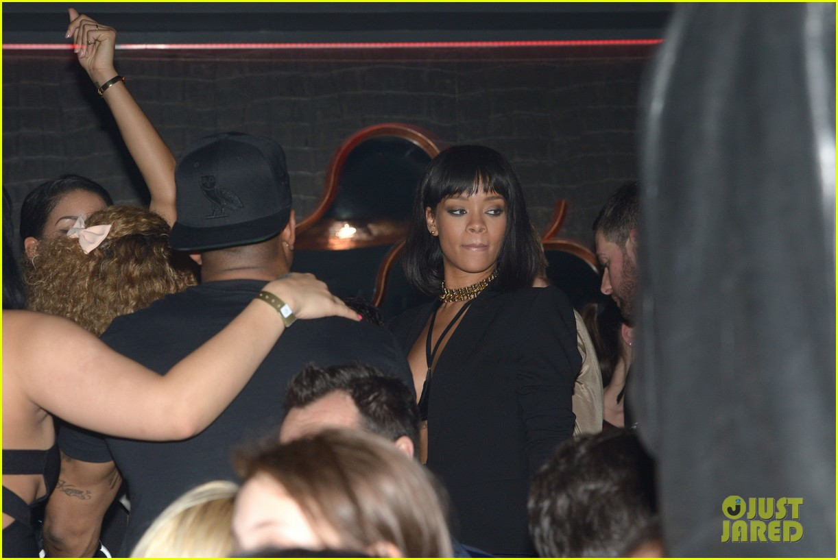 rihanna supports drake at club one year anniversary 12