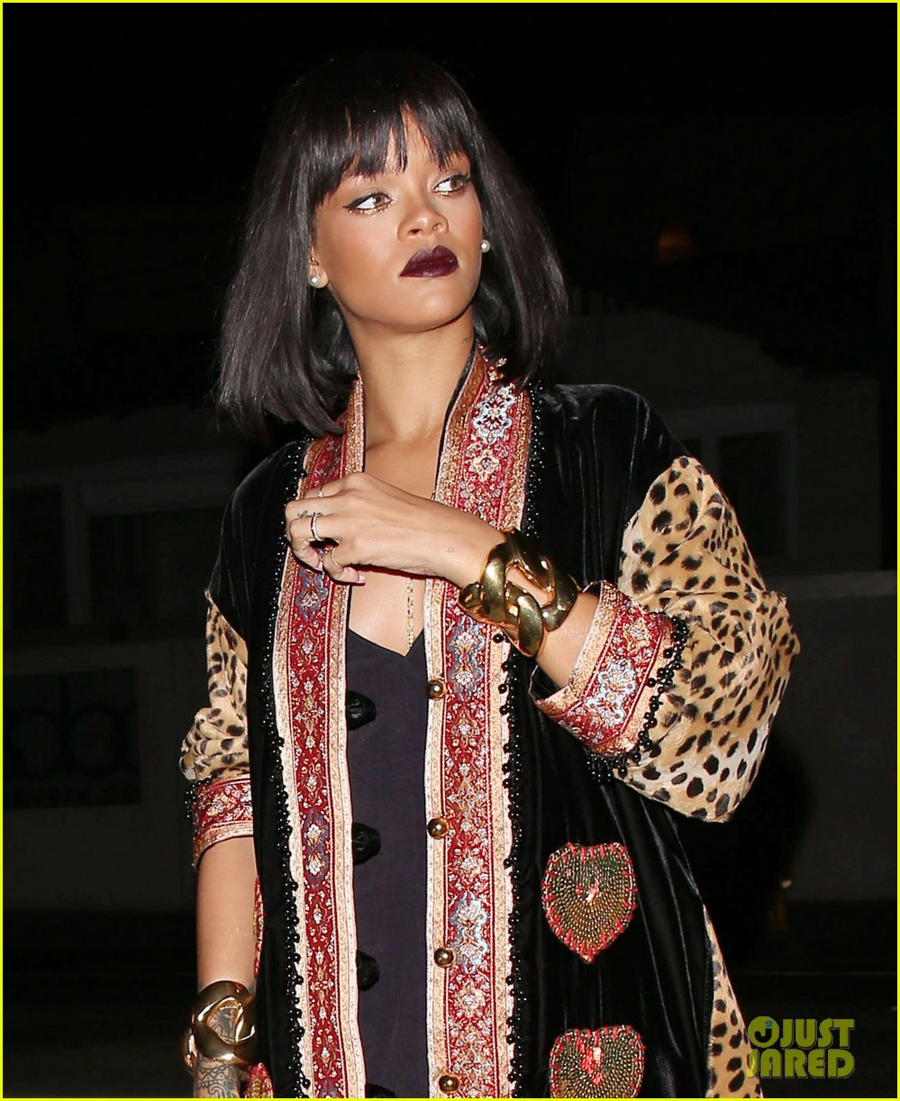 rihanna supports p6 campaign against russias anti gay laws 053054990