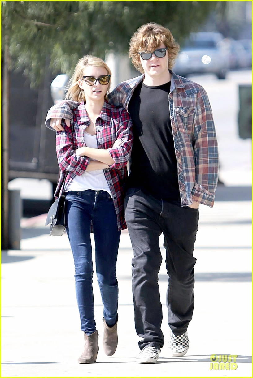 emma roberts toasts 23rd birthday with evan peters 073051160