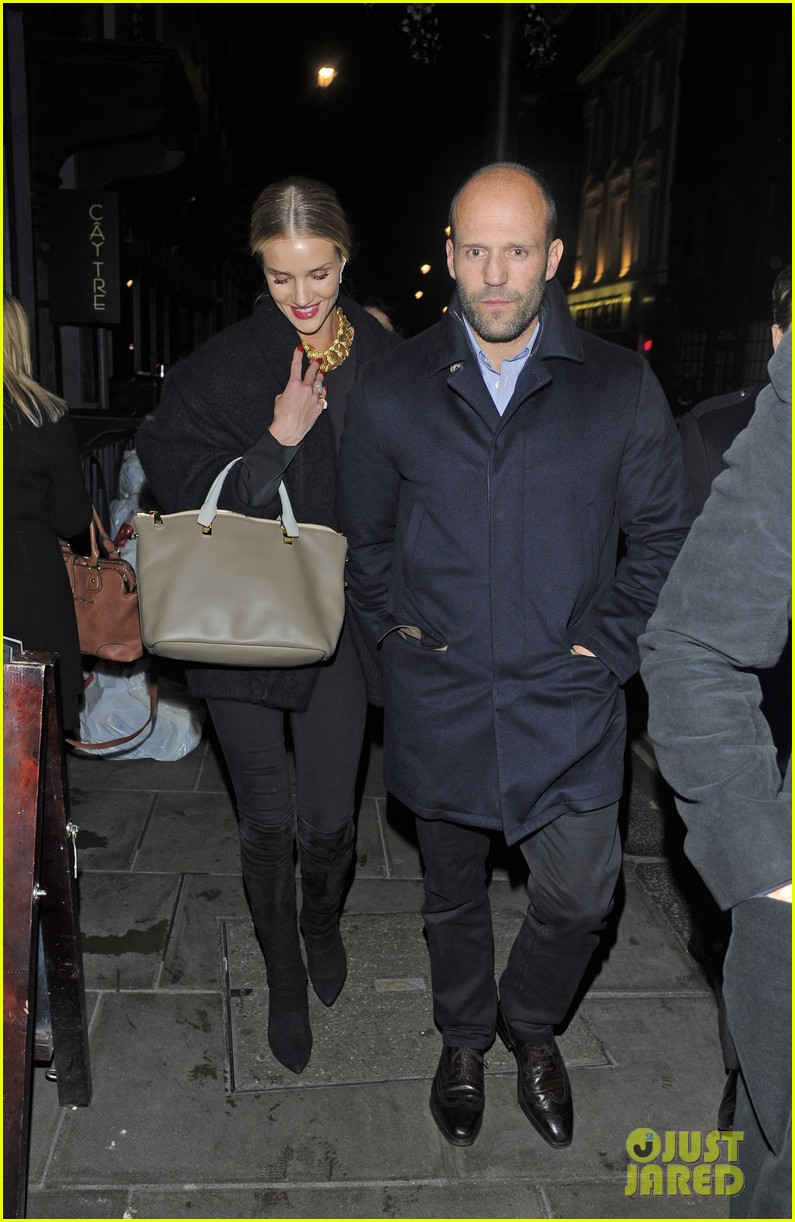 rosie huntington whiteley gushes over boyfriend jason statham 093054377