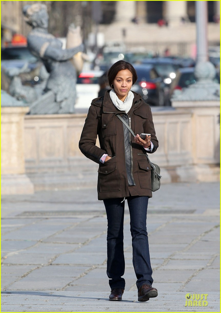 zoe saldana bundled for rosemary baby set 27
