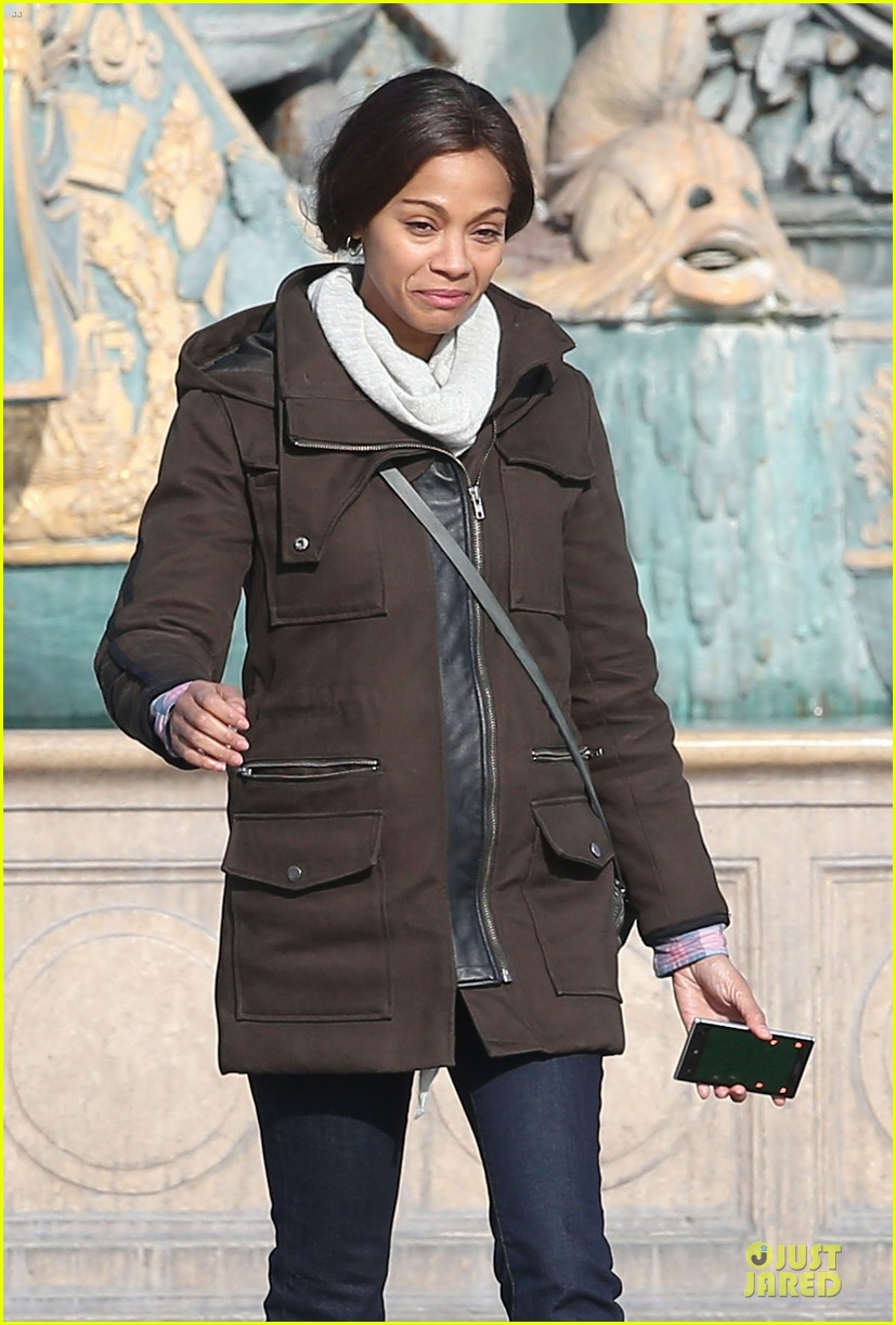 zoe saldana bundled for rosemary baby set 35