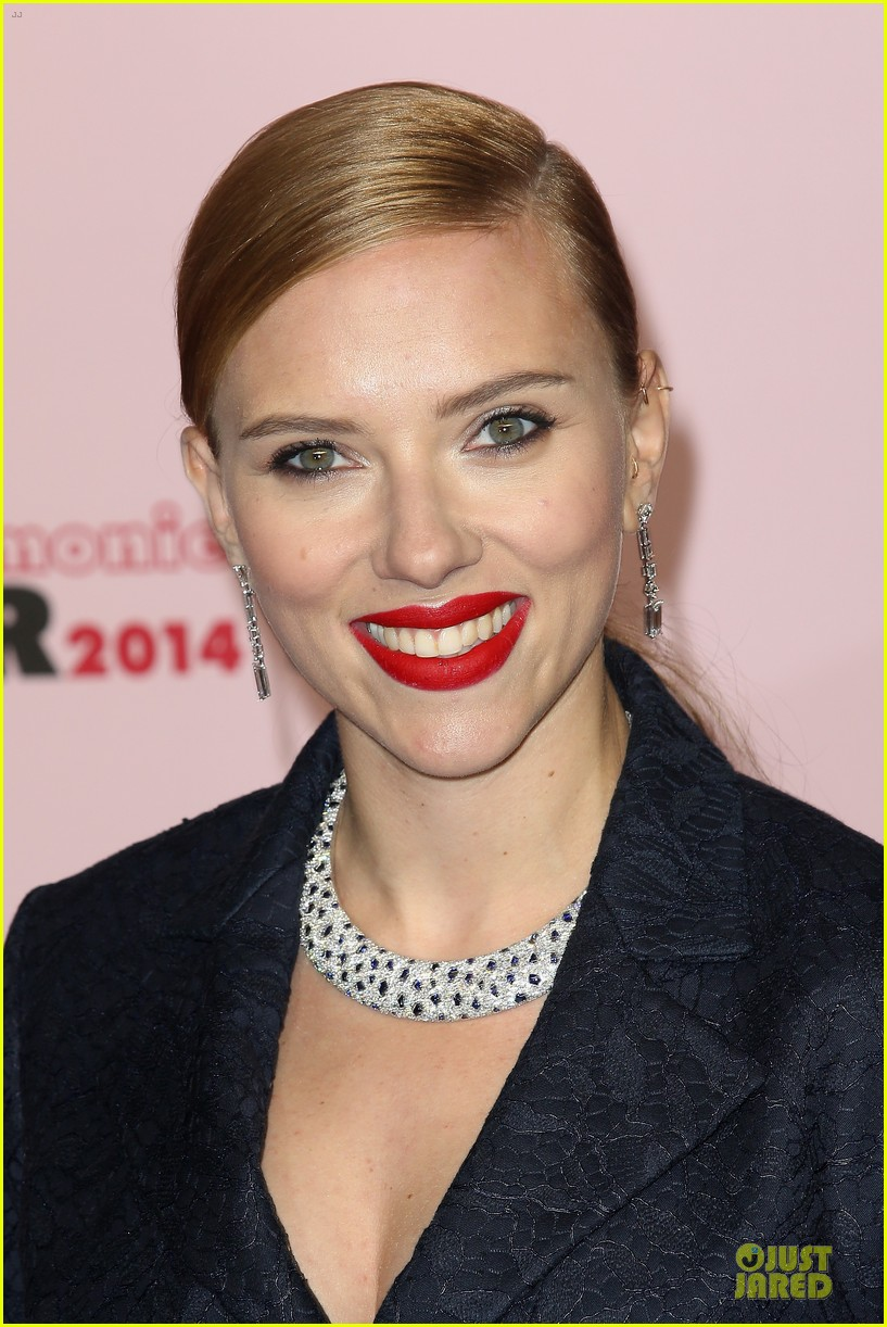 honoree scarlett johansson brings romaine dauriac for cesar awards 023062459