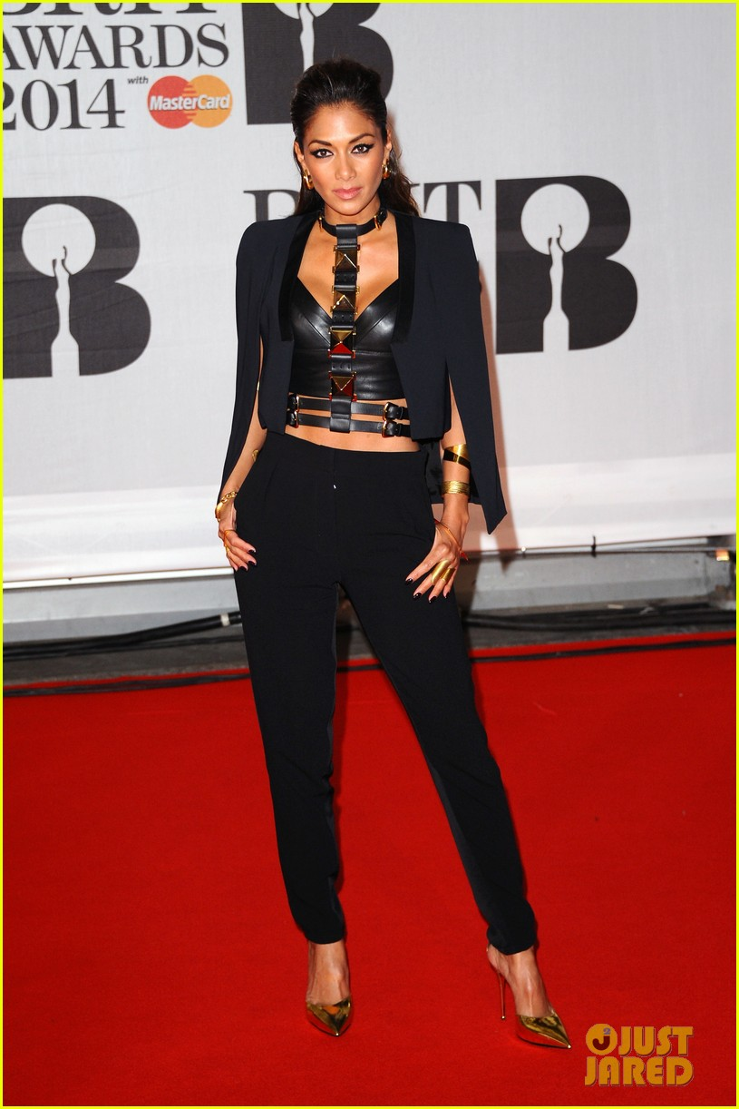 nicole scherzinger brit awards 2014 red carpet 01